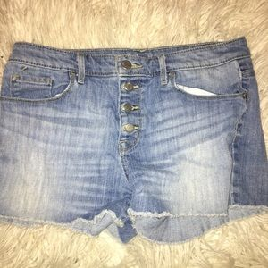 Cute high waisted shorts